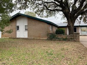 1407 Simms, Cisco, TX, 76437