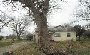 104 4th, Burkburnett TX 76354