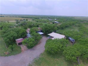542 McCartney Ln, Tye, TX 79563