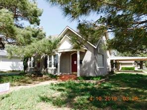 414 S Main St, Shamrock, TX 79079