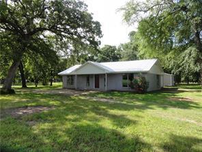 105 Deer Wood Dr, Enchanted Oaks, TX 75156