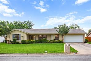 417 Pleasantview, Hurst, TX, 76054
