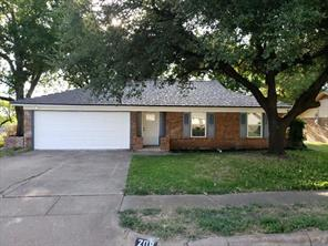 208 Prairie View, Crowley, TX 76036