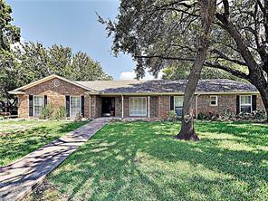 4301 Winding, Benbrook, TX, 76126