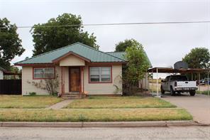 841 n 3rd ave, munday, TX 76371