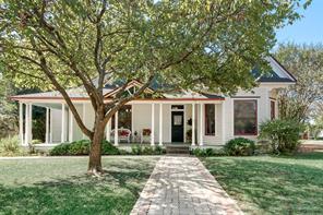1423 Sycamore St, Waxahachie, TX 75165