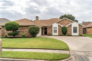 2604 Stone Hollow Dr, Bedford, TX 76021