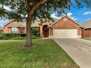 556 willowview dr, saginaw, TX 76179