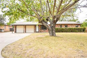 240 SW Gamble St, Burleson, TX 76028
