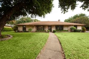 1000 Cloverdale Ln, Desoto, TX 75115