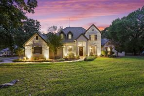 387 Cattlebaron Parc Dr, Fort Worth, TX 76108
