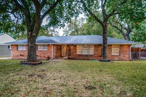 712 town creek dr, dallas, TX 75232