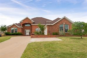 609 Winterwood Dr, Kennedale, TX 76060