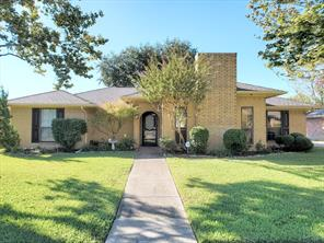 2214 valley, carrollton, TX 75006