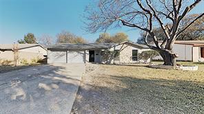 1613 jackson st, grand prairie, TX 75051