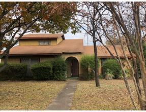 2745 Meadow Bluff, Dallas TX 75237