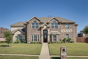 725 lakewood dr, kennedale, TX 76060