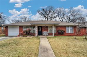 109 4th st, whitesboro, TX 76273