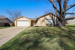 3817 raywood dr, grand prairie, TX 75052