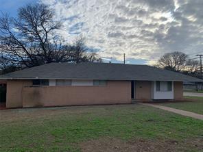 1014 town creek dr, dallas, TX 75232