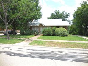 620 w parkway st, denton, TX 76201