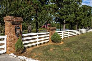 1035 Wood, Longview TX 75605