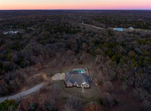 895 Bloomfield Rd, Valley View, TX 76272