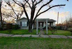 209 Church, Ferris, TX, 75125