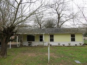 23162 Lakewood Dr, Berryville, TX 75763