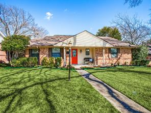 9734 Queenswood, Dallas TX 75238