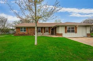 131 Carol Ln, Pecan Hill, TX 75154