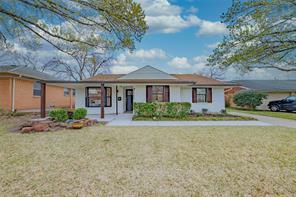 10655 Larchfield, Dallas TX 75238