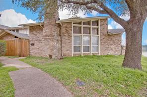 2200 Seville Ct, Dalworthington Gardens, TX 76013