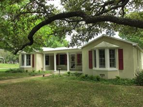 1603 S Pine St, Brady, TX 76825