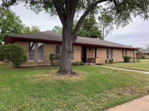 3301 Country Club Rd, Pantego, TX 76013