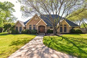 1001 Oakridge Ct, Kennedale, TX 76060