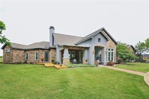 100 Queens Meadow Ln, Royse City, TX 75189