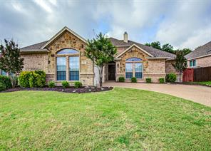 315 Autumnwood Ct, Kennedale, TX 76060