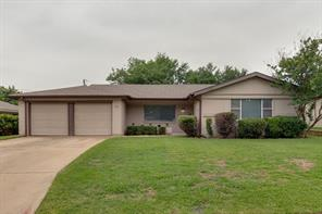 912 Clebud, Euless TX 76040