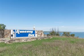 225 Runaway Bay Dr, Runaway Bay, TX 76426