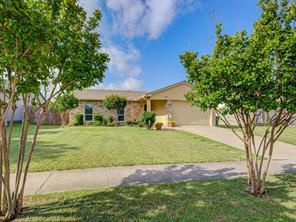 5540 Gates Dr, The Colony, TX 75056