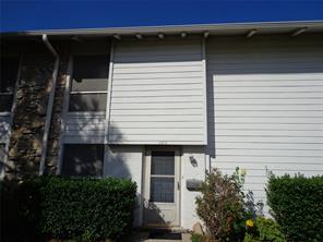 100 Harbor Dr #103, Runaway Bay, TX 76426