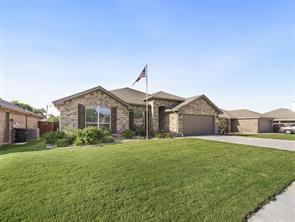 7904 Wilson Cliff Ct, White Settlement, TX 76108