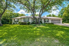 36 Brenton Rd, Edgecliff Village, TX 76134