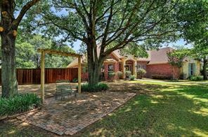 101 Pear Tree Ln, Collinsville, TX 76233