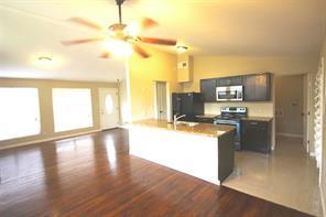 149 Hedgerow, Lewisville TX 75057