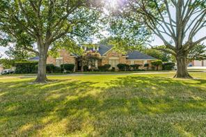 611 Green Meadows Ln, Ovilla, TX 75154