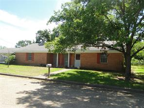 400 2nd St S, Wortham, TX 76693