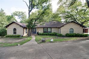504 Elm Dr, Oak Leaf, TX 75154