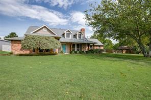 606 Rock Creek Dr, Oak Leaf, TX 75154